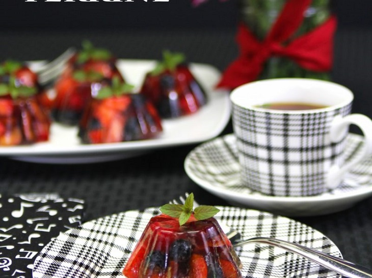 AIP Coconut Free Desserts #aip - https://healingautoimmune.com/aip-coconut-free-dessert-recipes
