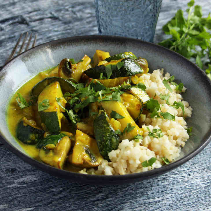 Fragrant AIP Coconut Curry Recipe #aip https://healingautoimmune.com/fragrant-aip-coconut-curry-recipe